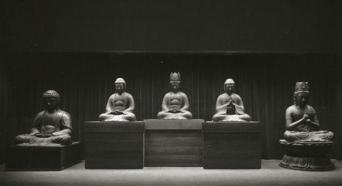 Dark Room Meditation For Accessing Higher Dimensions