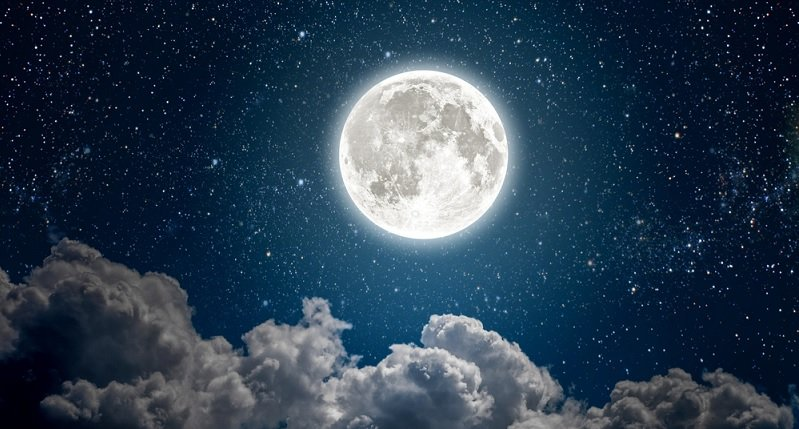 how to set your intentions for the new moon