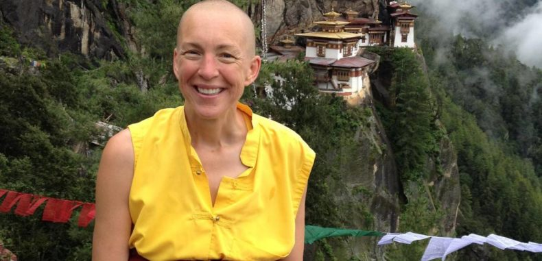 5 Ultimate Keys to Happiness According to A Rich Banker Turned Buddhist Nun